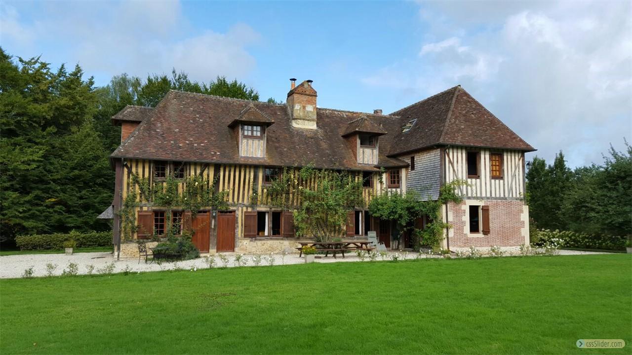 Manoir Du Bocage Backyard
